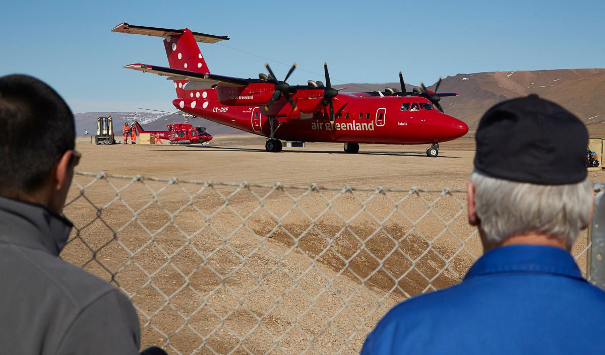 Qaanaaq, Air Greenland
