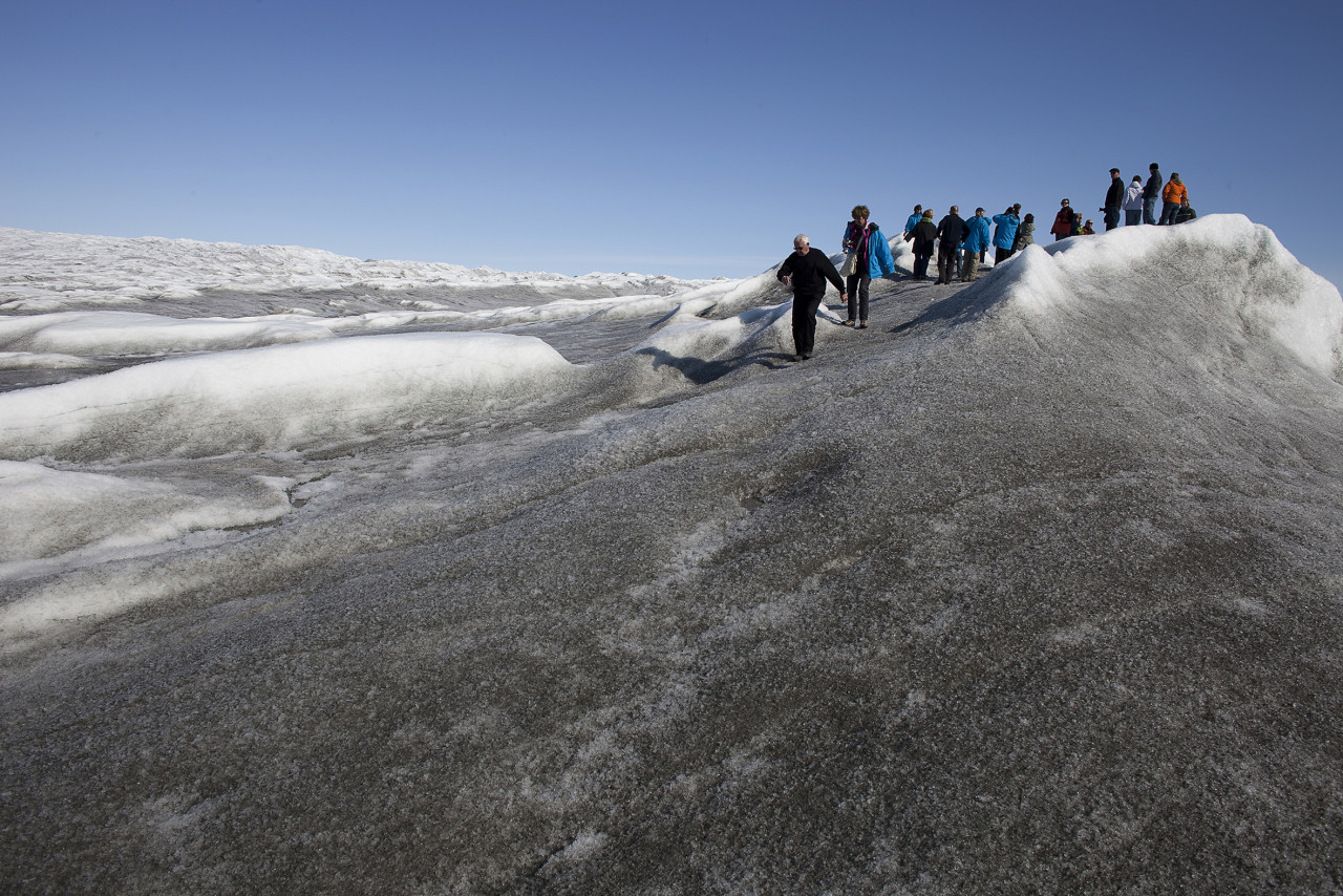 Kangerlussuaq, World of greenland.turists on thi greenlandic indland ice cape